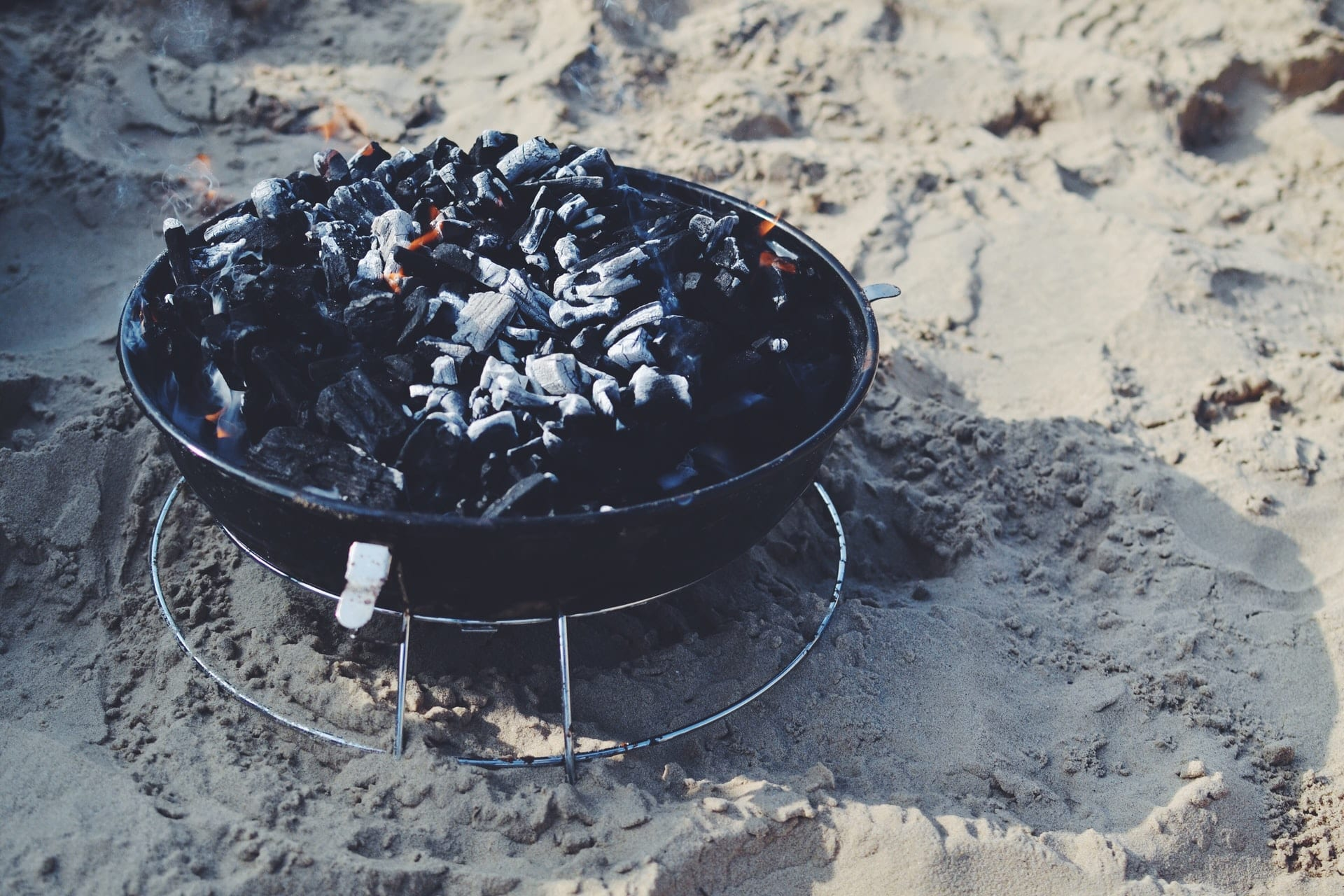 Host a Maine Lobster Bake This Summer