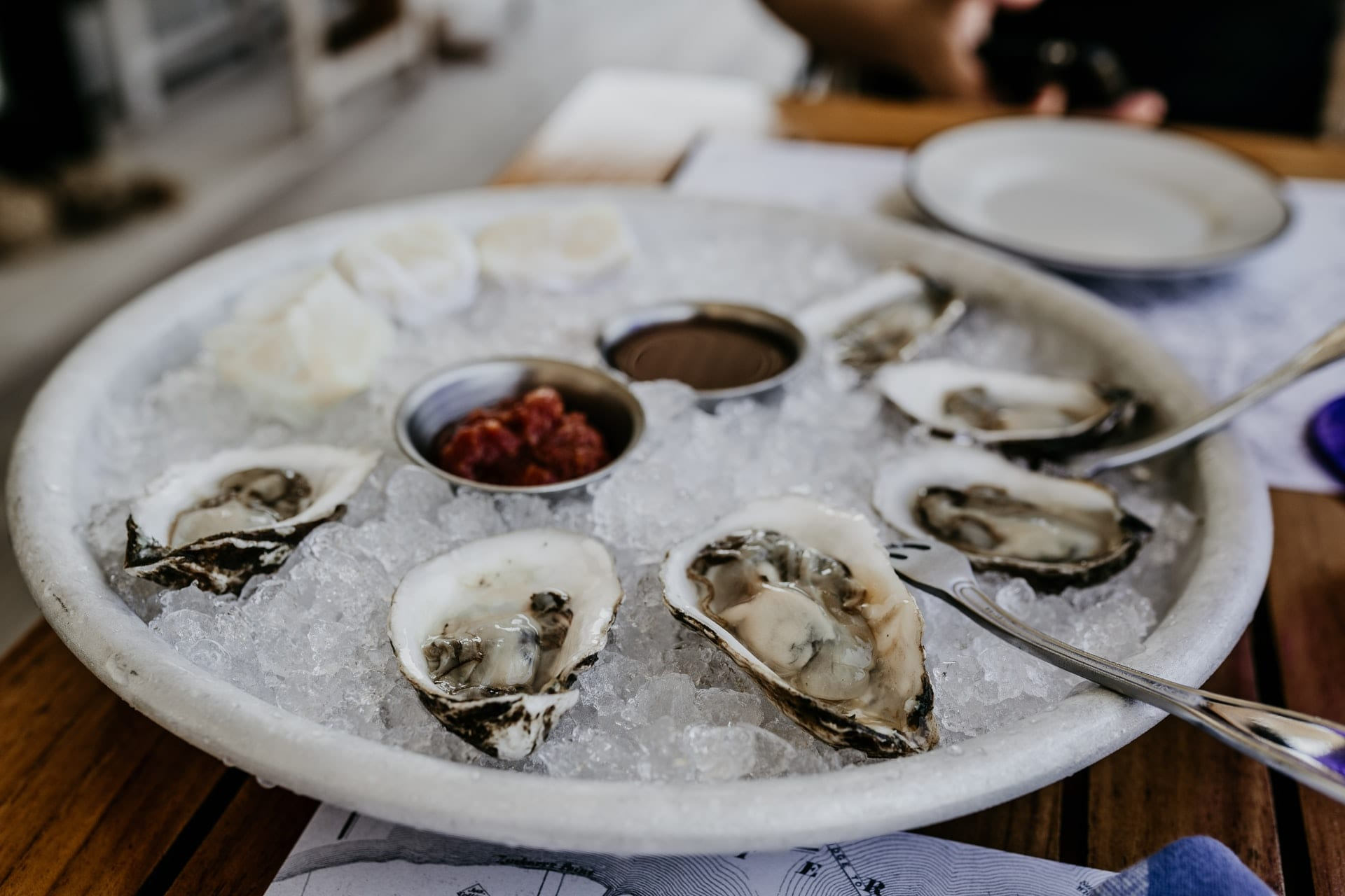 The Must- Go Places for Oysters in Maine This Summer
